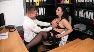 Curvy German mature Bonny Devil loves getting fucked at the office